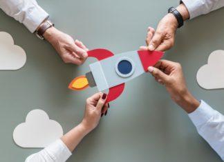 El outsourcing o tercerización, consiste en la delegación funciones de una empresa a otra que se especializa en una tarea en específico.